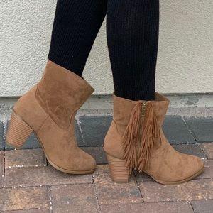 NIB Fringe Side Low Heel Chic Western Ankle Boots